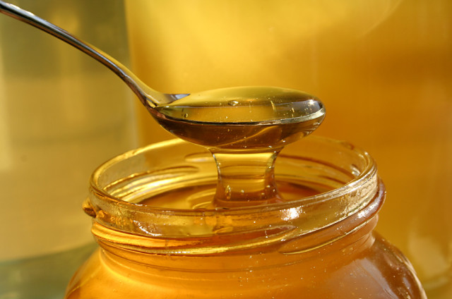 How To Apply Manuka Honey To Acne