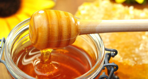 How To Use Raw Manuka Honey For Beautiful Skin